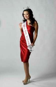 Domonique Ramirez, Miss San Antonio photographed Monday June 20, 2011.  HELEN L. MONTOYA/hmontoya@express-news.net Photo: HELEN L. MONTOYA, San Antonio Express-News / SAN ANTONIO EXPRESS-NEWS