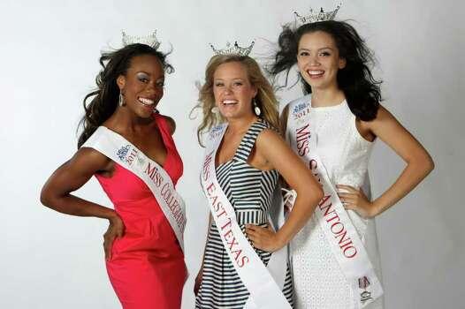Selina Affram, Miss Collegiate San Antonio; Jennifer Peter, Miss East Texas; Domonique Ramirez, Miss San Antonio. HELEN L. MONTOYA/hmontoya@express-news.net Photo: HELEN L. MONTOYA, San Antonio Express-News / SAN ANTONIO EXPRESS-NEWS
