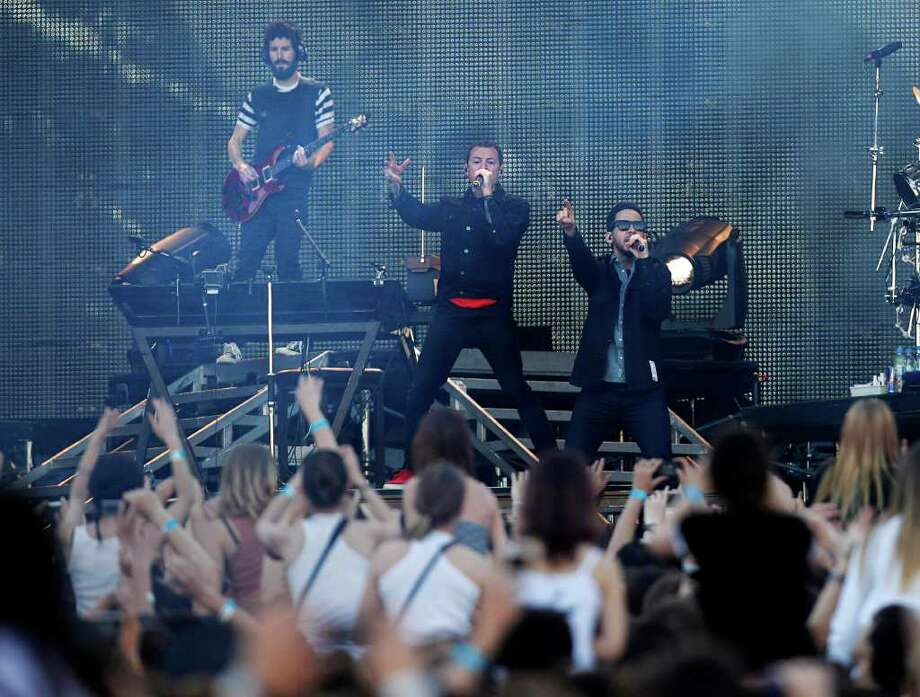 Linkin Park perform for the world premiere of Hollywood blockbuster Transformers: Dark of the Moon, Thursday, in Red Square before a crowd of thousands in Moscow, Russia, Thursday, June 23, 2011. Photo: Alexander Zemlianichenko, AP / AP