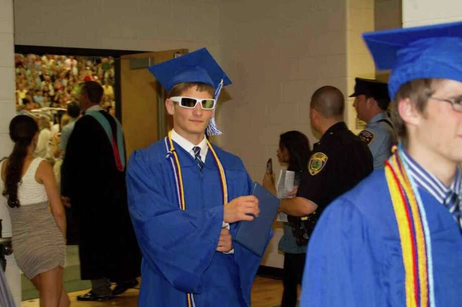 Fairfield Ludlowe Graduation Photo: Mike Dominguez / Hearst Connecticut Media Group