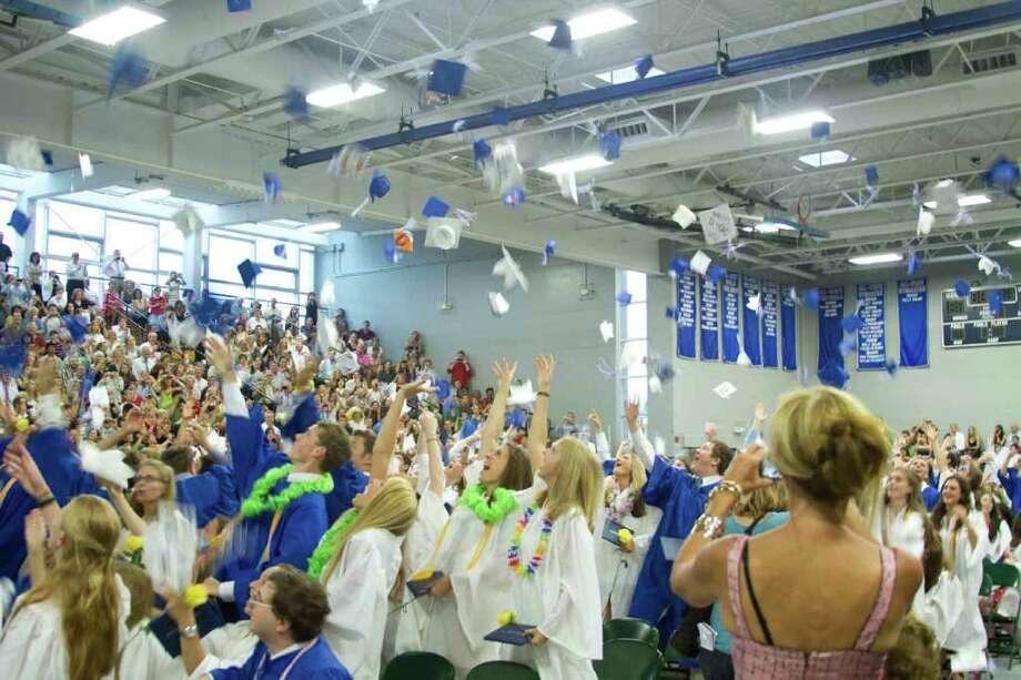 Fairfield Ludlowe Graduation Photo: Mike Dominguez / Hearst Connecticut Media Group