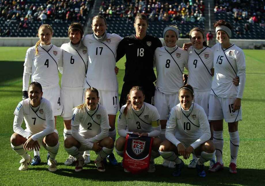 The U.S. team poses before a Women's World Cup Qualifying match against Italy at Toyota Park on November 27, 2010 in Bridgeview, Illinois. Photo: Jonathan Daniel, Getty Images / 2010 Getty Images
