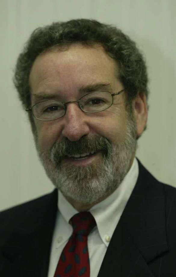 Richard Alderman, photographed at his office in the University of Houston Law Center on 4-2-04. Photo: John Everett, Staff Photographer / Houston Chronicle