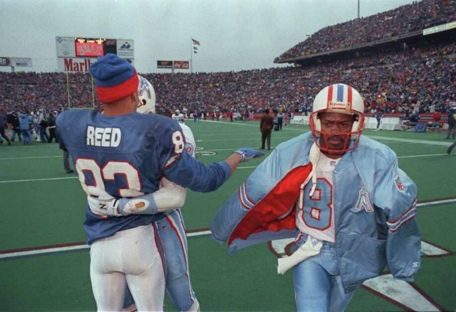 PHOTOS: A look back at the Oilers playoff collapse in Buffalo on Jan. 3, 199301/03/1993 - Houston Oilers at AFC wild-card playoff with the Buffalo Bills.  HOUCHRON CAPTION (12/27/1999): The Oilers left the field in Buffalo embarrassed at giving up a 32-point lead, and it wasn't long before they left town  HOUSTON CHRONICLE SERIES: THE SPORTS CENTURY/HOUSTON.Browse through the photos above for a look back at the Oilers' collapse in Buffalo in 1993. Photo: Dave Einsel / Houston Chronicle