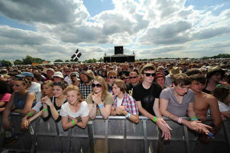 PADDOCK WOOD, UNITED KINGDOM - JULY 01: General view of the crowd in front of the main stage at The Hop Farm on July 1, 2011 in Paddock Wood, England. Photo: Stuart Wilson, Getty Images / 2011 Getty Images