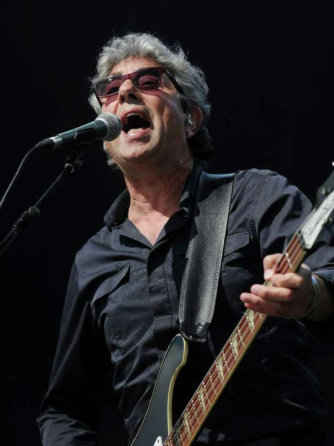 PADDOCK WOOD, UNITED KINGDOM - JULY 01: Graham Gouldman from rock band '10CC' performs at the Hop Farm festival at The Hop Farm on July 1, 2011 in Paddock Wood, England. Photo: Stuart Wilson, Getty Images / 2011 Getty Images
