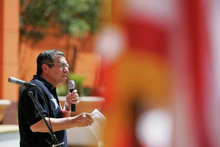 Retired Lt. Gen. Ricardo Sanchez speaks during the Salute to America music celebration at Wonderland of the Americas mall on Sunday, July 3, 2011. Photo: Sally Finneran/sfinneran@express-news.net / sfinneran@express-news.net