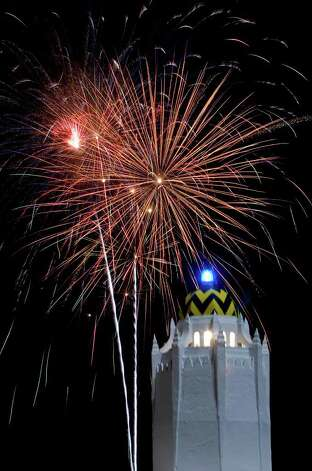 Fireworks explode over a replica of the Taj Mahal at Randolph AFB on Friday, July 4, 2008. Photo: William Luther/wluther@express-news.net / SAN ANTONIO EXPRESS-NEWS