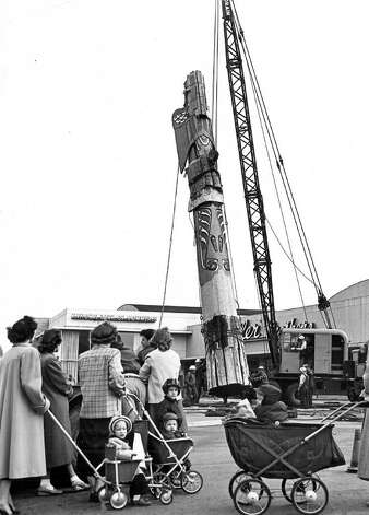 An undated photo of work on the totem pole at Northgate Mall. Photo: Seattlepi.com File