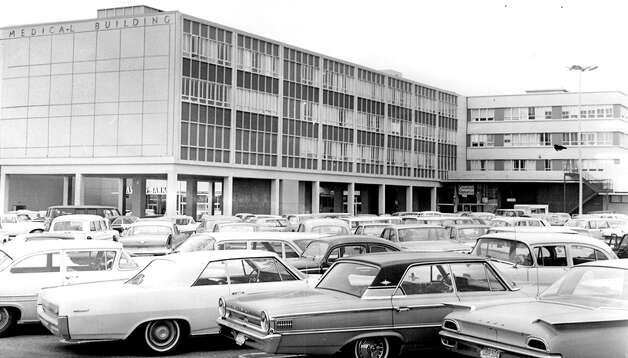 The medical building and 93-bed hospital at Northgate, March 15, 1965. Photo: Seattlepi.com File