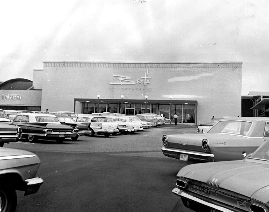 Best's apparel shop, now the site of Bed Bath and Beyond, in March 1965. Photo: Seattlepi.com File