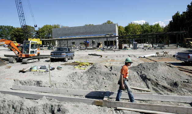 Construction on the Northgate Library, park and community center, Sept. 20, 2005. Photo: Seattlepi.com File, SEATTLE POST-INTELLIGENCER