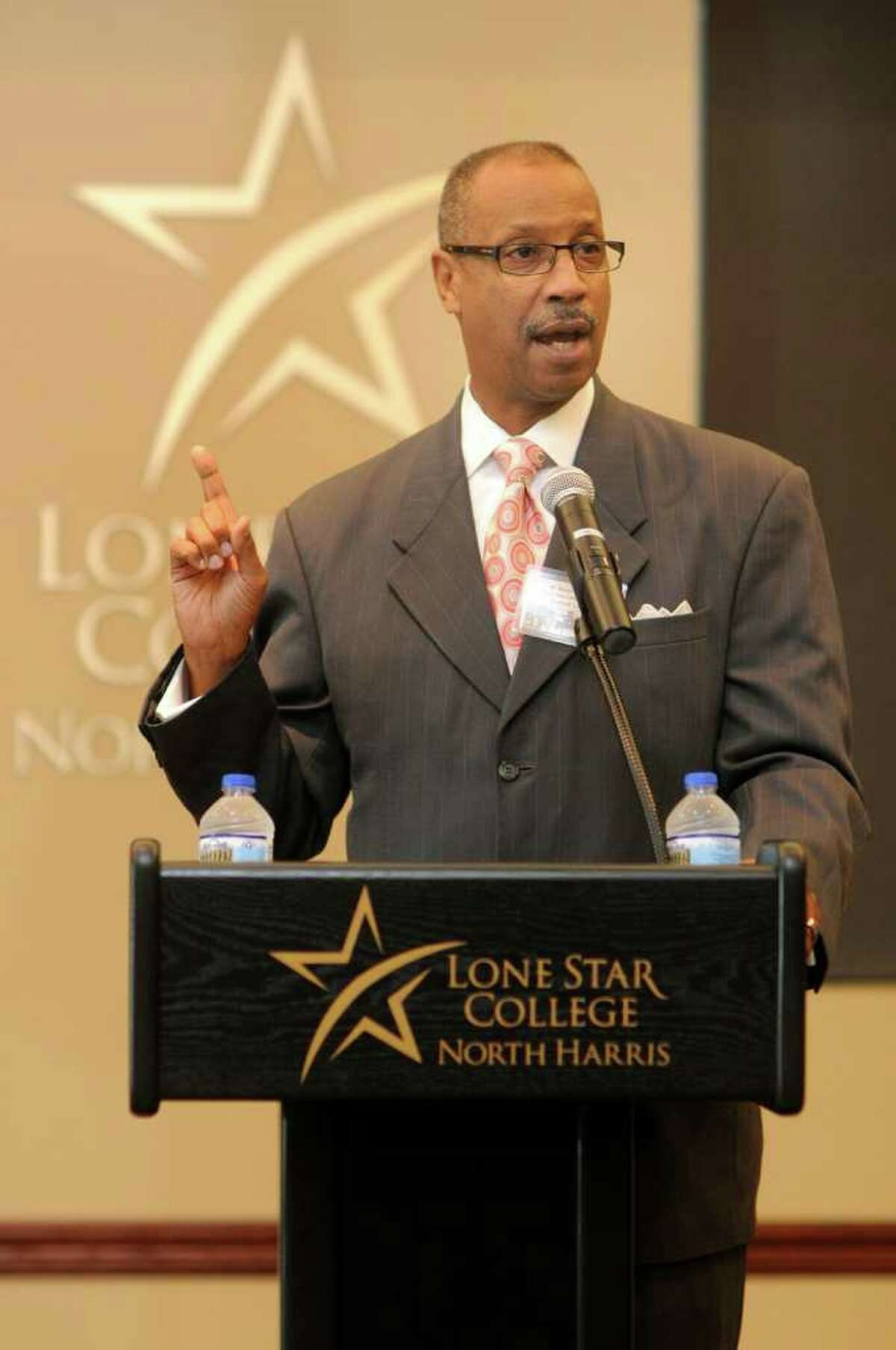 Randy Bates, Chair, LSCS Board of Trustees, makes his remarks during the opening ceremony for the Lone Star College - North Harris new Student Services Building. Freelance photo by Jerry Baker