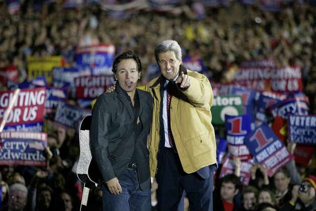 Kerry and Springsteen appear at a campaign rally at City Hall in Cleveland, Ohio on November 1, 2004. Photo: LUKE FRAZZA, AFP/Getty Images / 2004 AFP
