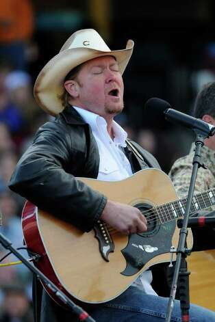 "Country singer Tracy Lawrence performs at Palin's ""Road to Victory Rally"" on October 18, 2008 in Lancaster, Pennsylvania. Photo: Jeff Fusco, Getty Images / 2008 Getty Images"