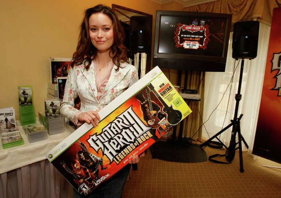"BEVERLY HILLS, CA - JANUARY 27:  Actress Summer Glau attends The Luxury Lounge in honor of the 2008 SAG Awards featuring Activision's ""Guitar Hero III"", held at the Four Seasons Hotel on January 27, 2008 in Beverly Hills,California. Photo: Marsaili McGrath, Getty Images For MediaPlacement / 2008 Getty Images"