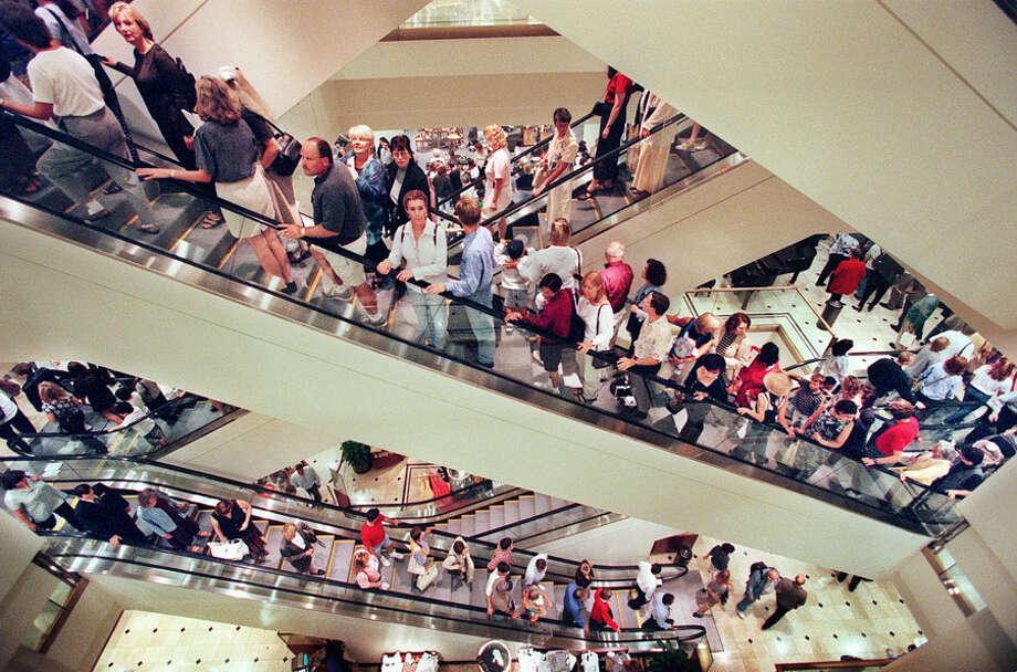 Shoppers flocked to Nordstrom dowtown flagship store's grand opening in 1998. Photo: Seattlepi.com File