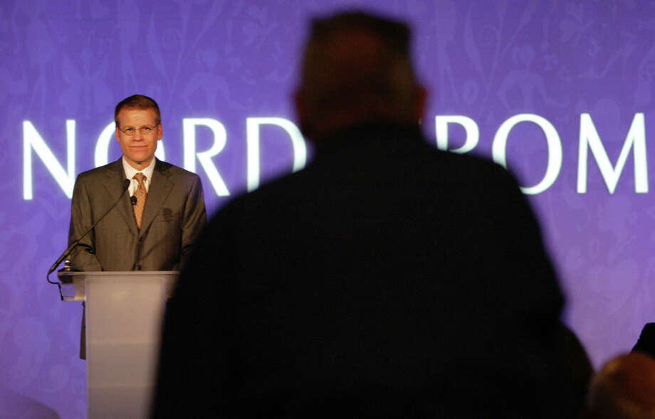 Nordstrom President Blake Nordstrom takes a question from a shareholder during its 2007 annual meeting. Photo: Seattlepi.com File, Seattle Post-Intelligencer / Seattle Post-Intelligencer