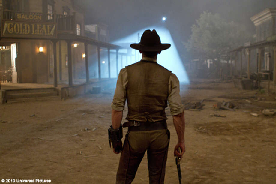 "Daniel Craig as Jake Lonergan in ""Cowboys & Aliens."" Photo: Zade Rosenthal / 2011 Universal Studios"