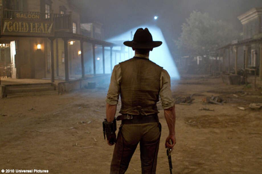 "Daniel Craig as Jake Lonergan in ""Cowboys & Aliens."" Photo: Zade Rosenthal / 2011 Universal Studios"