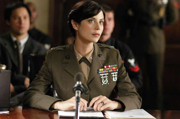 "Actress Catherine Bell as Lt. Col. Sarah ""Mac"" MacKenzie in NBC's military law drama ""JAG.""  Photo: AP / PARAMOUNT NETWORK TELEVISION"