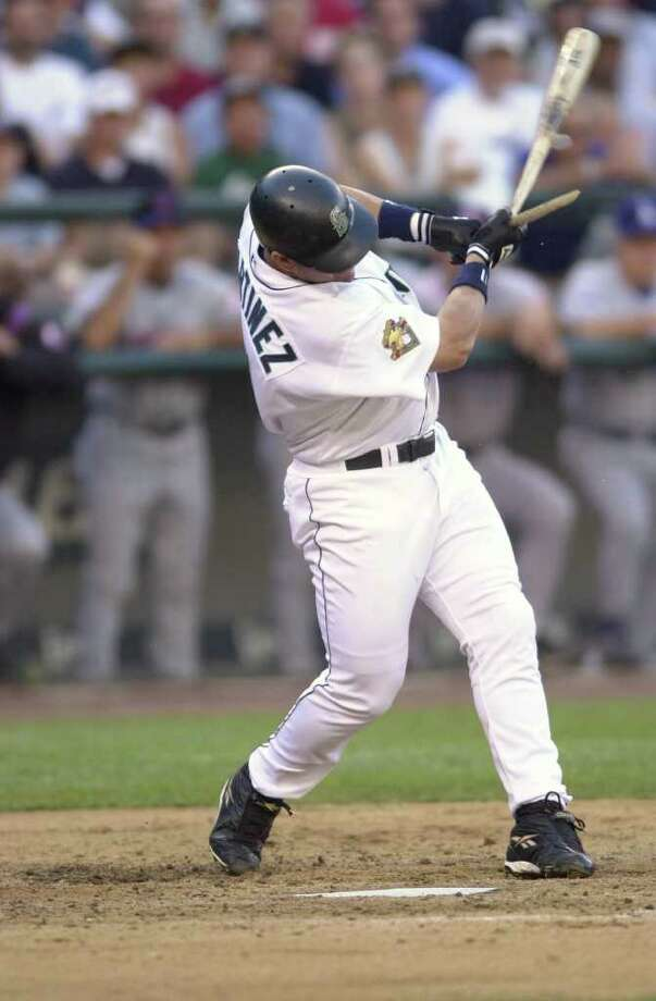 10 Jul 2001:  Edgar Martinez of the Seattle Mariners breaks his bat during the 2001 Major League Baseball All-Star game at Safeco Field in Seattle, Washington, won by the American League 4-1. DIGITAL IMAGE Mandatory  Credit: Otto Gruele/Allsport Photo: Otto Greule Jr, Getty Images / Getty Images North America