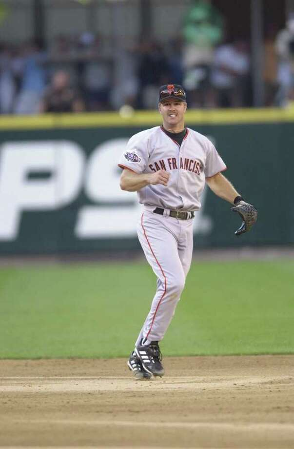 10 Jul 2001:  Jeff Kent of the San Francisco Giants plays second base during the 2001 Major League Baseball All-Star game at Safeco Field in Seattle, Washington, won by the American League 4-1. DIGITAL IMAGE Mandatory  Credit: Otto Gruele/Allsport Photo: Otto Greule Jr, Getty Images / Getty Images North America