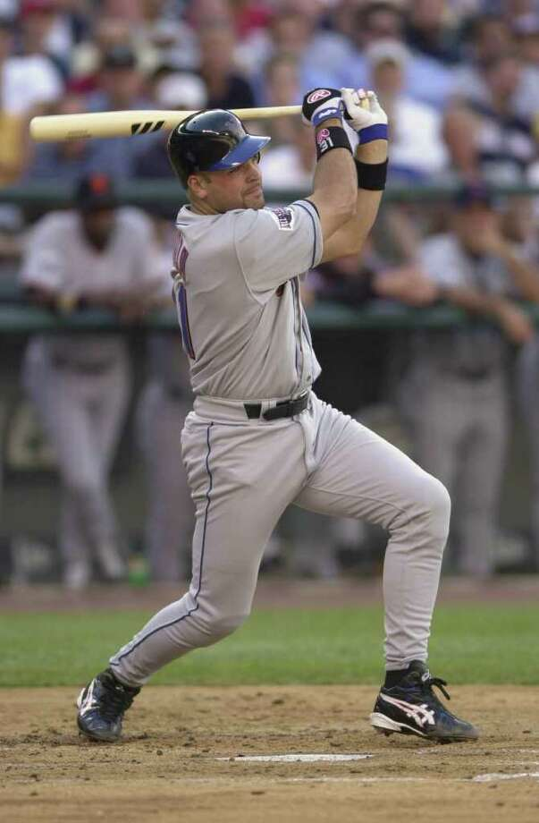 10 Jul 2001:  Mike Piazza of the New York Mets bats for the National League during the 2001 Major League Baseball All-Star game at Safeco Field in Seattle, Washington, won by the American League 4-1. DIGITAL IMAGE Mandatory  Credit: Otto Gruele/Allsport Photo: Otto Greule Jr, Getty Images / Getty Images North America
