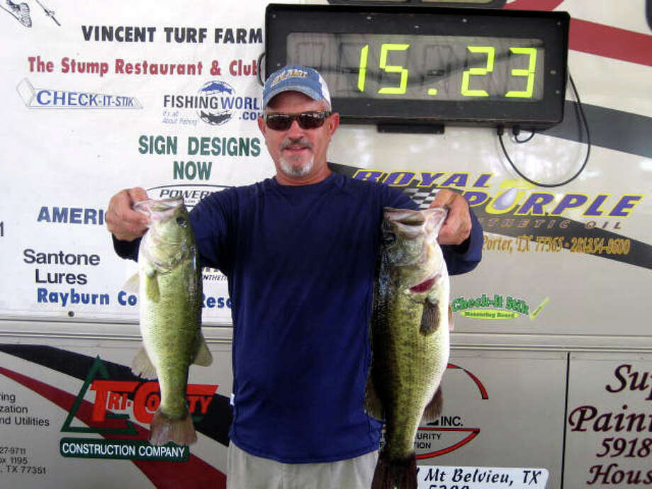 Brian Branum won 1st place with 15.23 lbs and also had the Big Bass of the tournament which was a 5.46 pounder.