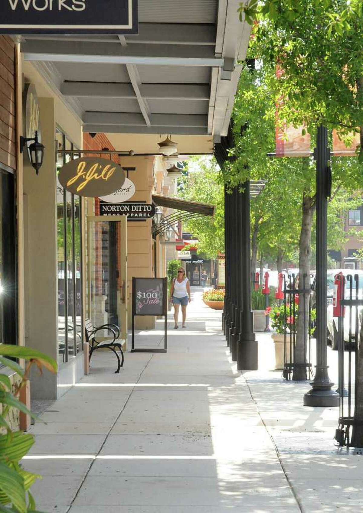 The Woodlands: Market Street Near its scenic counterpart, Market Street has more retail as well as a small park in its center. Upcoming tenants include Lucky Brand and Kate Spade.