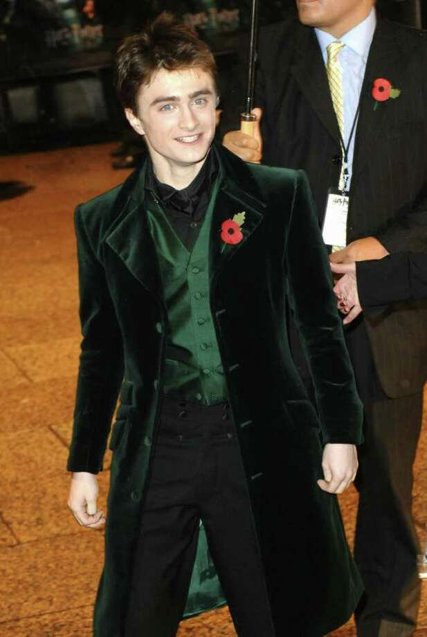 "Actor Daniel Radcliffe attends the world premiere of ""Harry Potter and the Goblet of Fire"" arriving at the Odeon Leicester Square November 6, 2005 in London. Photo: ANDREW STUART, AFP/Getty Images / 2005 AFP"