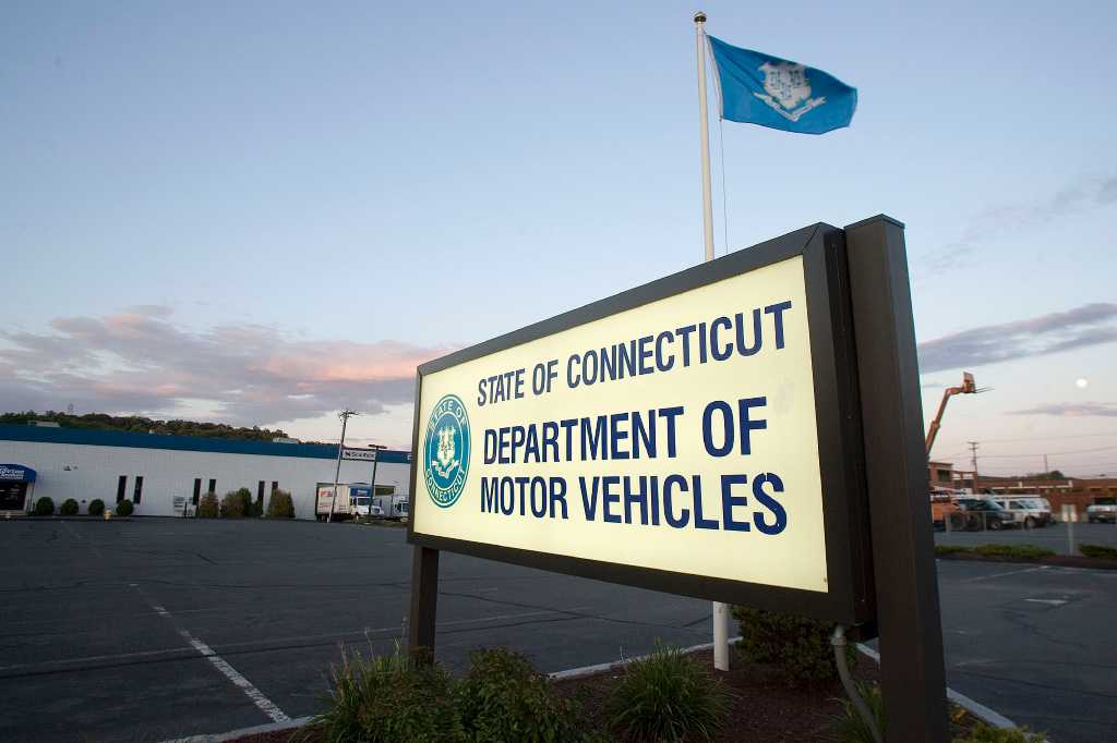 Dmv gold star on license can ease security screening for Dept of motor vehicles washington