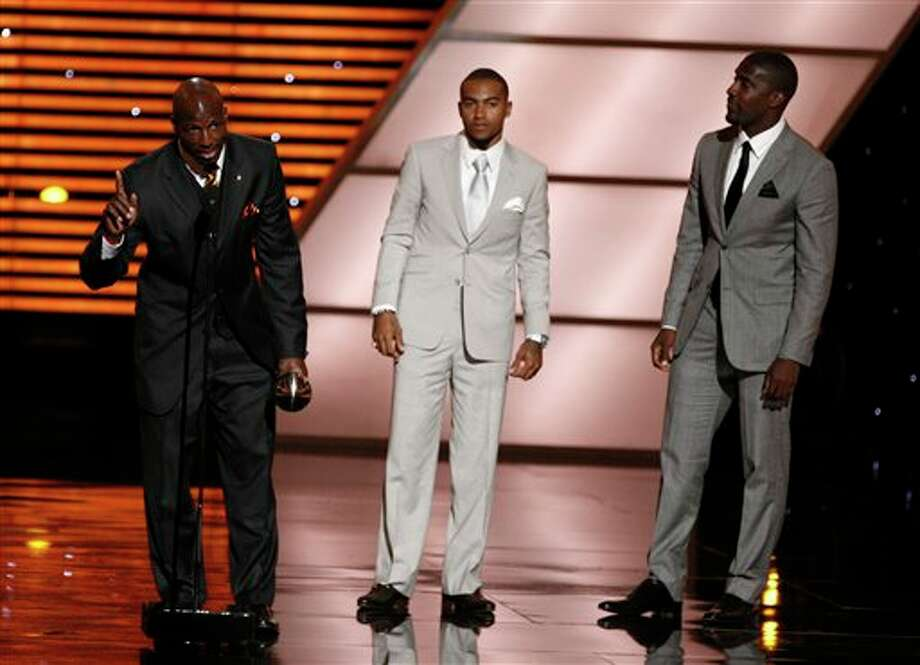 L to R, Philadelphia Eagles LeSean McCoy, DeSean Jackson and Jason Avant accept the award for Best Game at the ESPY Awards on Wednesday, July 13, 2011, in Los Angeles. (AP Photo/Matt Sayles) Photo: Associated Press