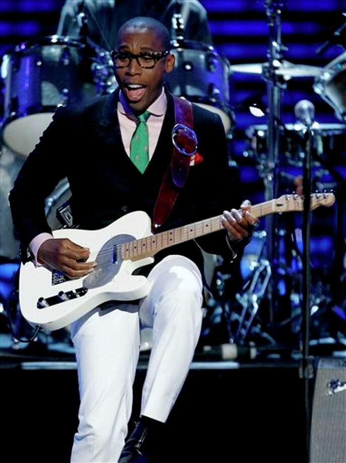 Raphael Saadiq performs at the ESPY Awards on Wednesday, July 13, 2011, in Los Angeles. (AP Photo/Matt Sayles) Photo: Associated Press