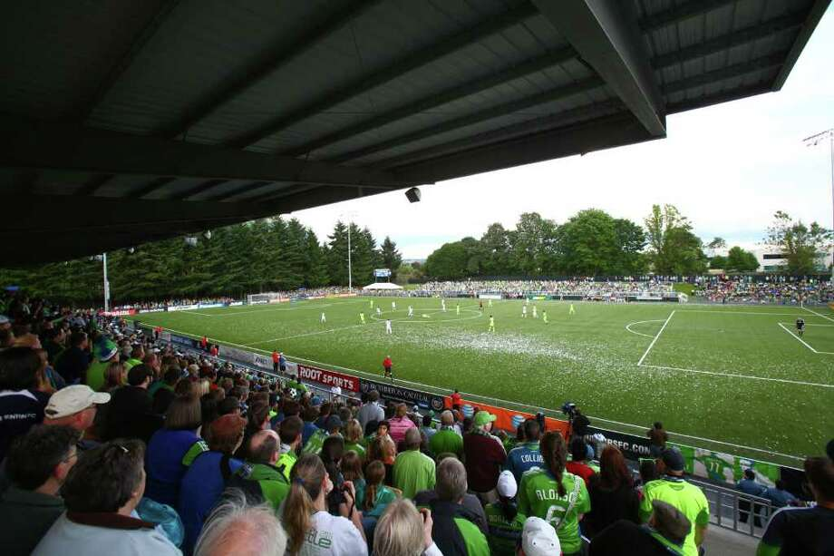 The Seattle Sounders take on the Los Angeles Galaxy during the first half of a U.S. Open Cup quarterfinal match at Starfire Sports Complex in Tukwila on Wednesday, July 13, 2011. The Sounders defeated the Galaxy 3-1. Photo: JOSHUA TRUJILLO / SEATTLEPI.COM