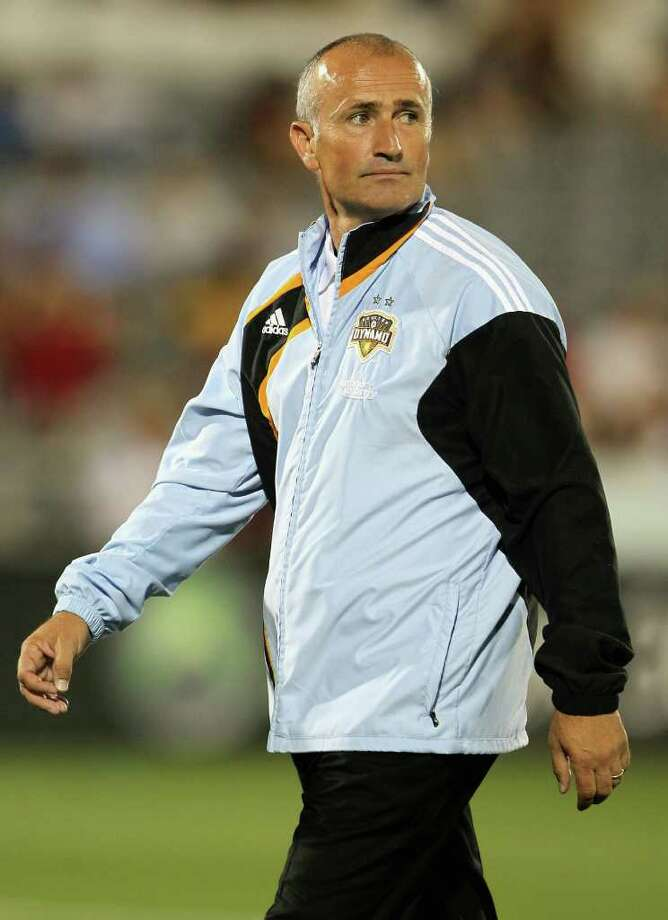COMMERCE CITY, CO - AUGUST 28:  Head coach Dominic Kinnear of the Houston Dynamo heads to the locker room during half time against the Colorado Rapids during MLS action at Dick's Sporting Goods Park on August 28, 2010 in Commerce City, Colorado.  (Photo by Doug Pensinger/Getty Images) Photo: Doug Pensinger