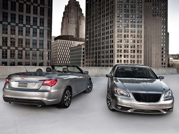 2011 Chrysler 200 (photo courtesy Chrysler)