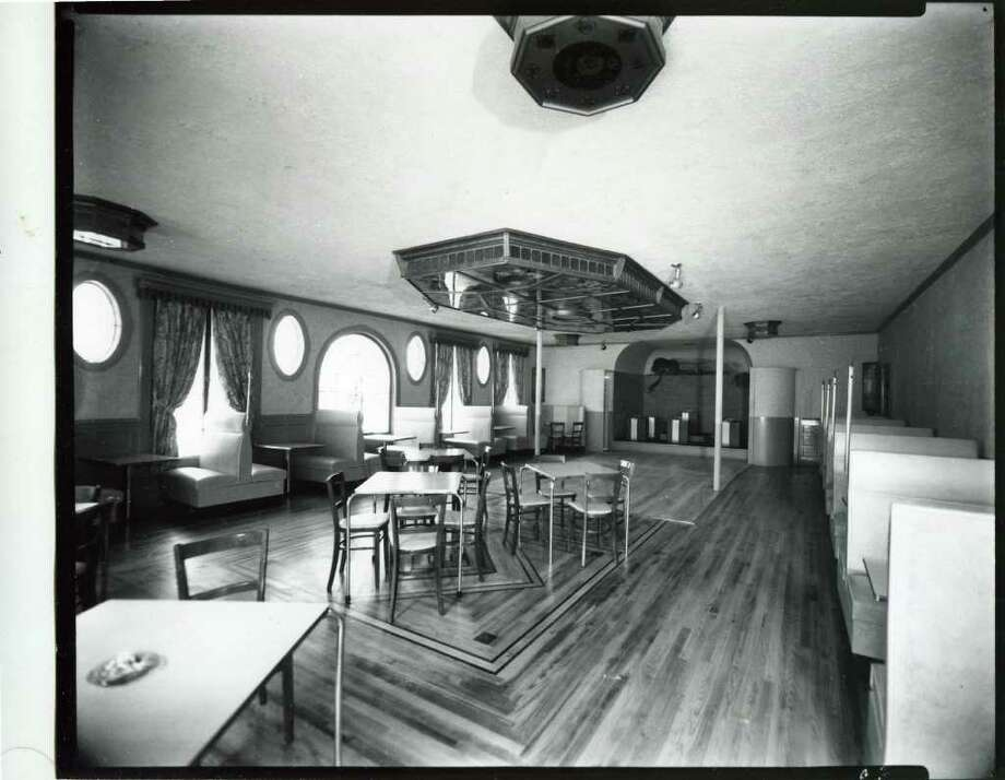 A look inside Gorman's on Saratoga Lake on June 12, 1944. It was also known as Furla's and Mother Kelly's. (Courtesy of Saratoga Springs Historical Museum, George S. Bolster collection)
