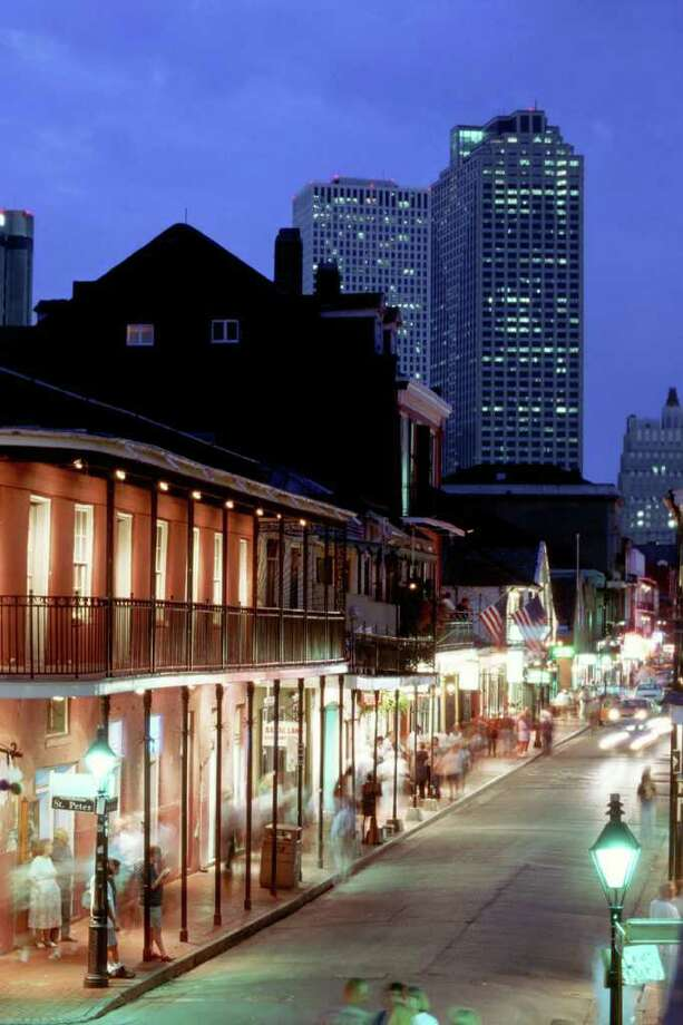 haunted new orleans tours deliver chills san antonio express news. Black Bedroom Furniture Sets. Home Design Ideas