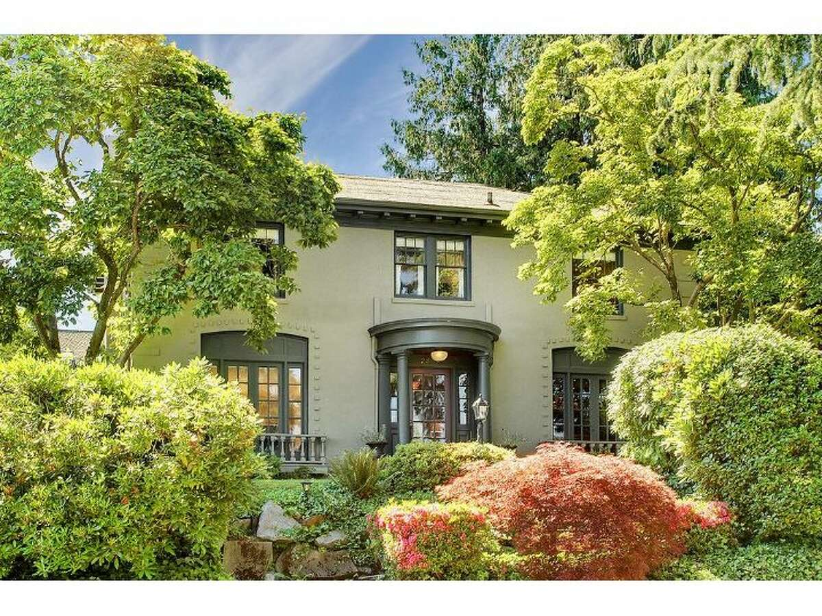Seattle's Mount Baker neighborhood has some noteworthy Colonial homes on the market right now, offering a distinctive style, with columns, and views out over Lake Washington. First, here's one at 2809 Cascadia Ave. S. The 3840-square-foot house, built in 1923, has four bedrooms, 2.25 bathrooms, a curved, open staircase, French doors, large windows and a family room with a bar. It sits on an 8,100-square-foot lot and is listed for $1.198 million. (Listing: www.windermere.com/index.cfm?fuseaction=listing.listingDetailUpdated&listingID=130371722)