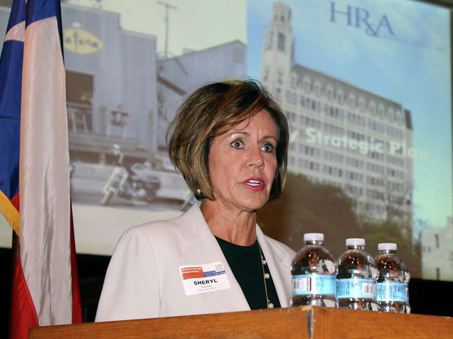 Keeping City Manager Sheryl Sculley is a good investment for taxpayers. Photo: Staff, Tom Reel / treel@express-news.net