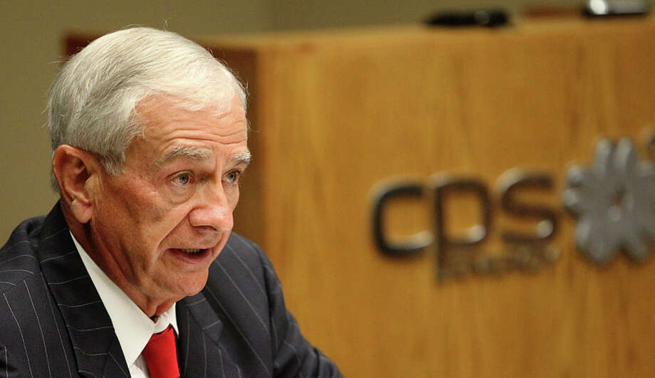 Charles E. Foster, Chairman of the Board of CPS Energy, on June 8, 2010. Photo: KIN MAN HUI / kmhui@express-news.net
