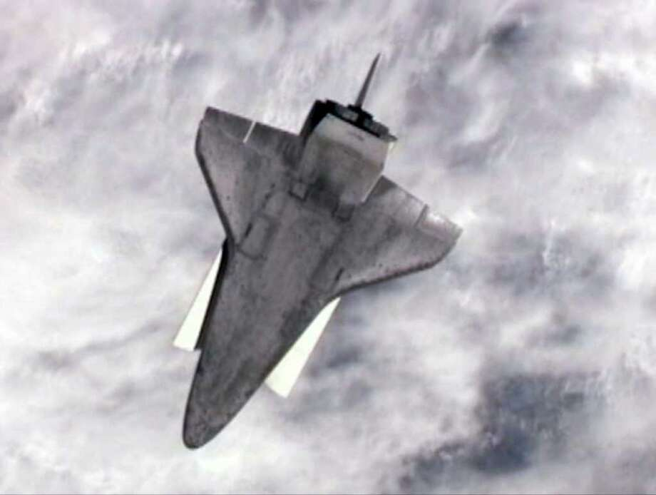 the space shuttle program began when the flue on april 12 1981 - photo #29