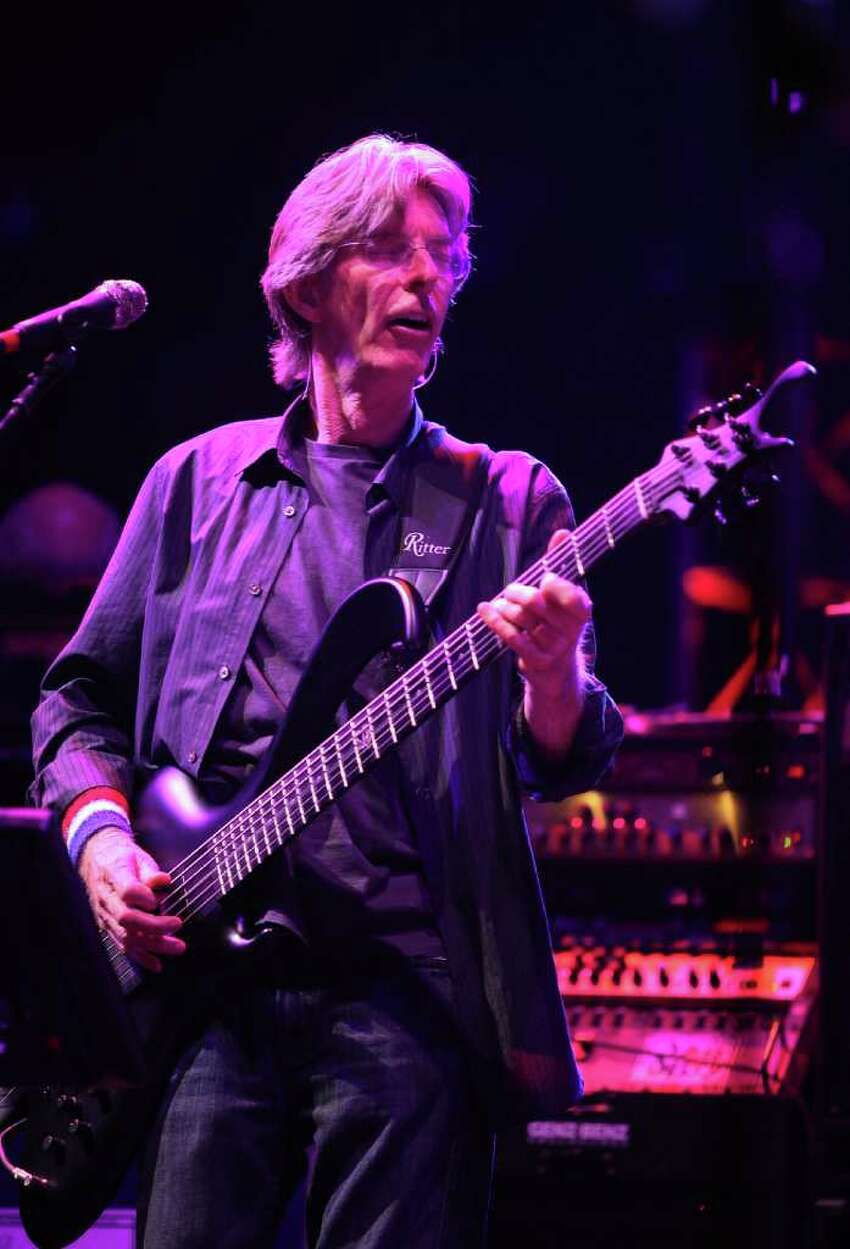 Phil Lesh will play with Bob Weir.