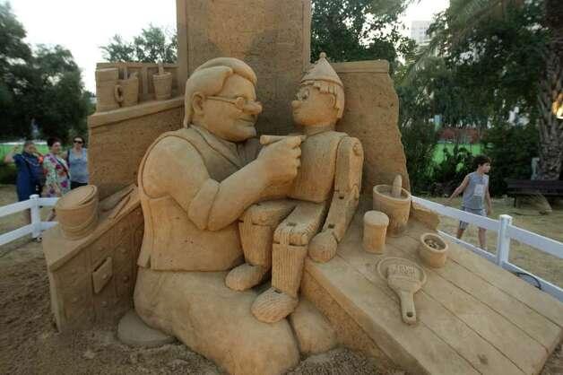 Резултат с изображение за skulptur pinocchio from sands