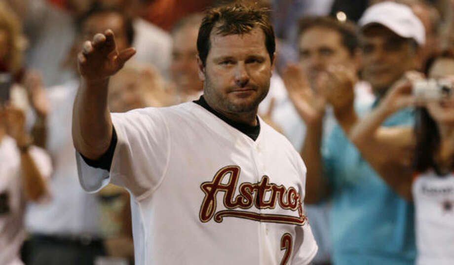 Roger Clemens will have a second curtain call Sunday. He will start against the Cardinals on just three days of rest. Photo: MELISSA PHILLIP, CHRONICLE