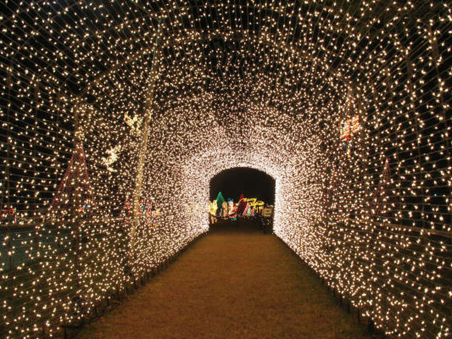 Hill Country Holiday Season Begins With Lighting Ceremony