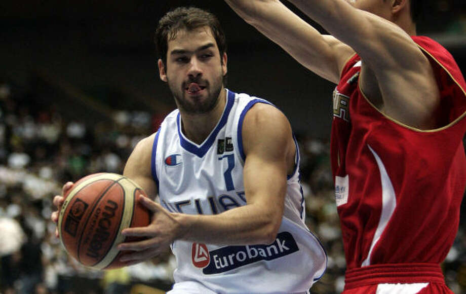 Greece guard and new Rocket Vasilis Spanoulis scored 12 of his 15 points in the first half. Photo: DUSAN VRANIC, AP