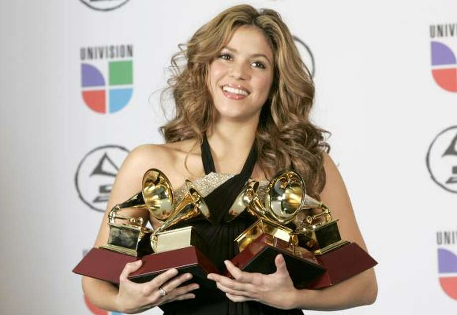 Shakira picked up four Grammys at the 7th annual Latin Grammy Awards, Nov. 2, in New York. Photo: MIKE SEGAR, REUTERS