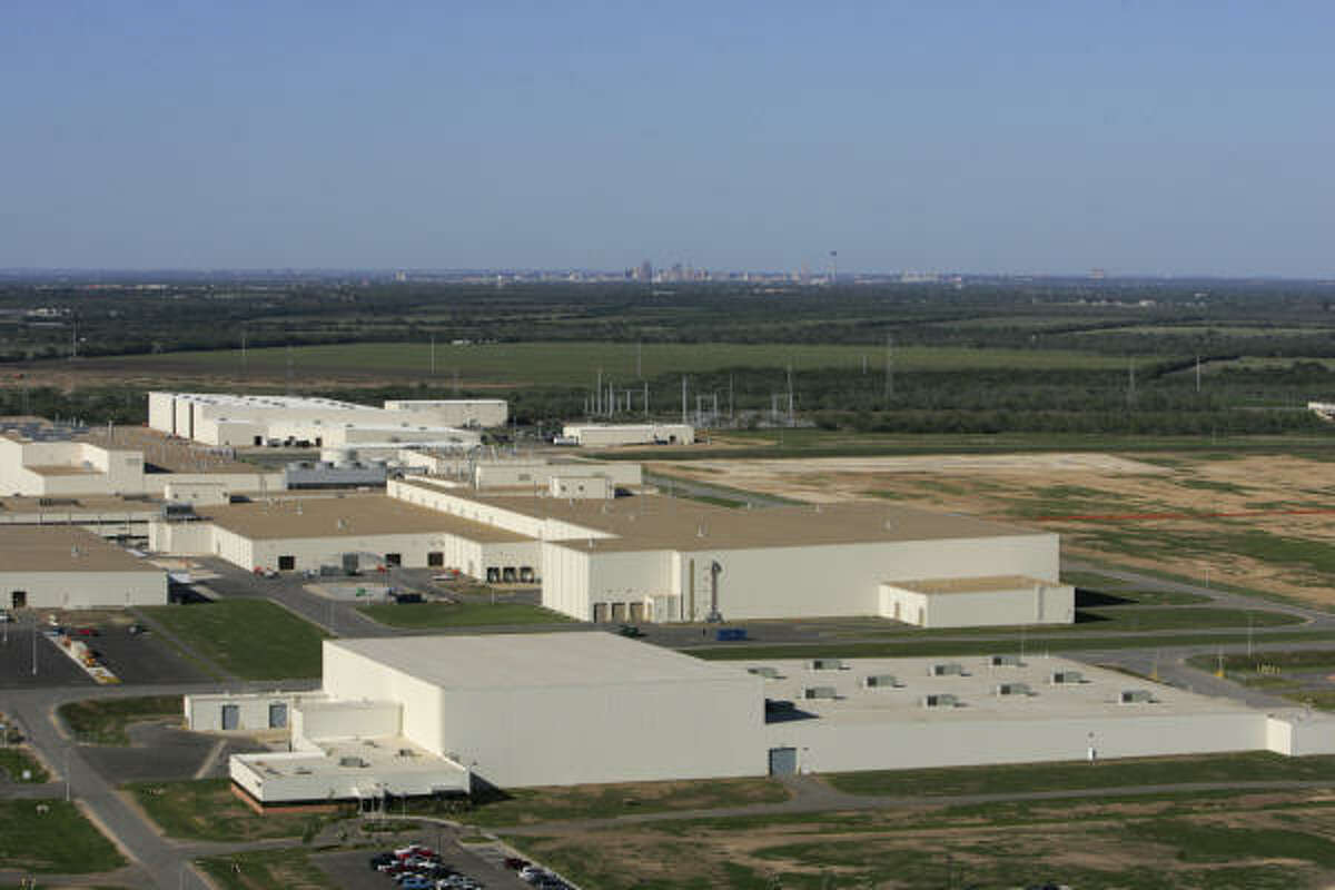 Toyota's new truck plant in south Bexar County will be accompanied by a $300 million supplier's park.